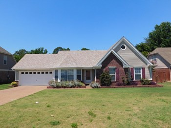 7141 Creekside Dr 3 Beds House for Rent Photo Gallery 1