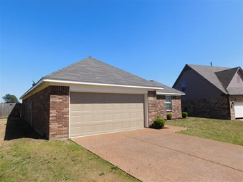4216 Blake Circle 4 Beds House for Rent Photo Gallery 1