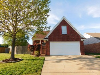 9194 Kaitlyn Dr S 3 Beds House for Rent Photo Gallery 1