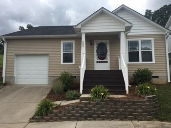 582 Denny Dr 3 Beds House for Rent Photo Gallery 1