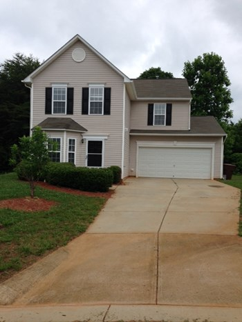 8 Old Pine Circle 4 Beds House for Rent Photo Gallery 1