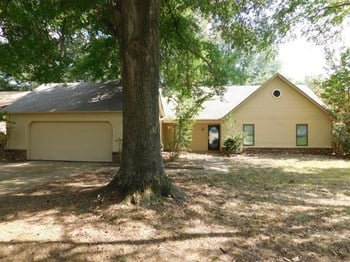 7039 Cobblestone Dr 3 Beds House for Rent Photo Gallery 1