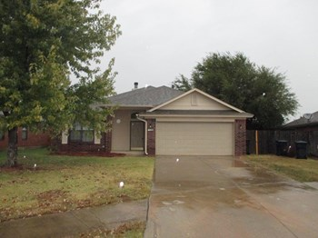 10641 NW 36th Pl 3 Beds House for Rent Photo Gallery 1