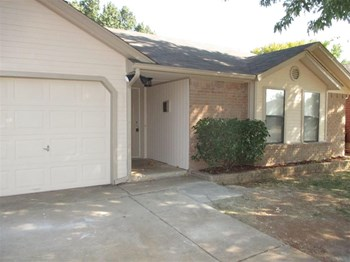 11612 Wallace Ave 3 Beds House for Rent Photo Gallery 1