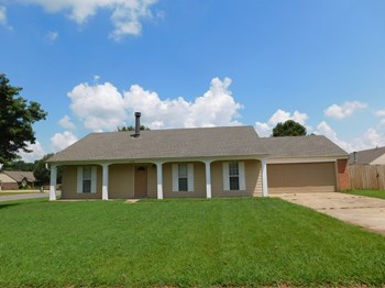 3552 Rosswood Dr 3 Beds House for Rent Photo Gallery 1