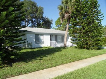 5651 Lingle St 3 Beds House for Rent Photo Gallery 1