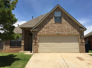 12001 Garden Ct 3 Beds House for Rent Photo Gallery 1