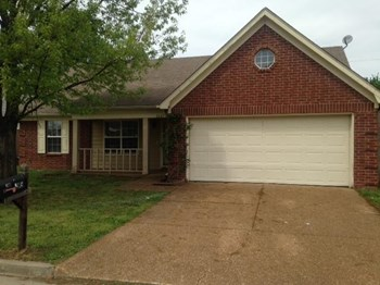 2641 Green Hollow Ln 3 Beds House for Rent Photo Gallery 1
