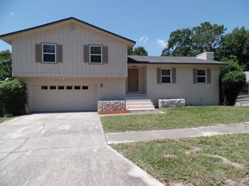 1572 Oak Ridge Dr W 3 Beds House for Rent Photo Gallery 1