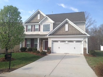 4946 Old Towne Village Circle 5 Beds House for Rent Photo Gallery 1