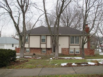 8009 N Euclid Ct 3 Beds House for Rent Photo Gallery 1
