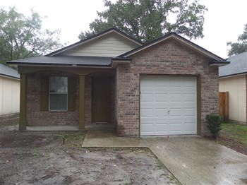 8125 Woods Ave 3 Beds House for Rent Photo Gallery 1