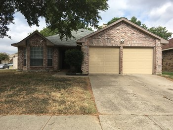2951 Seguin Trail 3 Beds House for Rent Photo Gallery 1