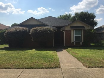 2941 Lawndale Dr 3 Beds House for Rent Photo Gallery 1