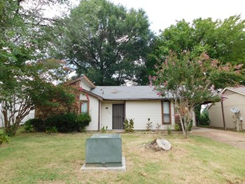 5722 Ballenmoor Dr 3 Beds House for Rent Photo Gallery 1