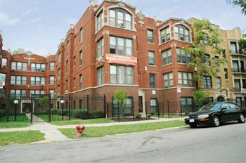 6924-34 S. Clyde 1-3 Beds Apartment for Rent Photo Gallery 1