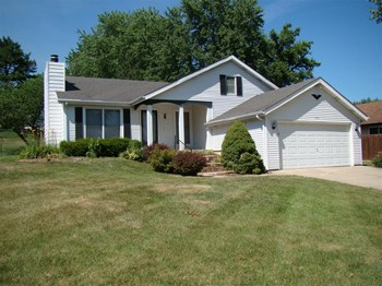 174 Birchleaf Dr 3 Beds House for Rent Photo Gallery 1