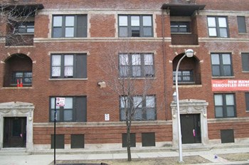 4001-4013 South Ellis 1-3 Beds Apartment for Rent Photo Gallery 1