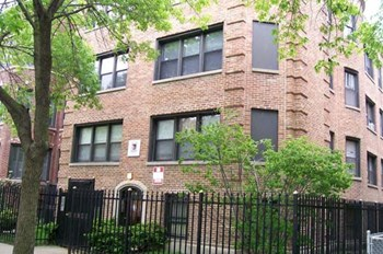 820 W. Agatite 1-3 Beds Apartment for Rent Photo Gallery 1