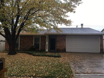 6317 Sunset Rd 3 Beds House for Rent Photo Gallery 1