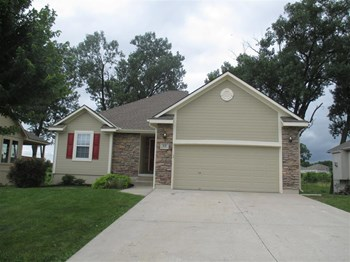 512 Hibiscus Dr 3 Beds House for Rent Photo Gallery 1