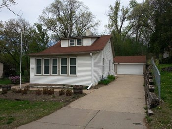 1457 Pacific St 3 Beds House for Rent Photo Gallery 1