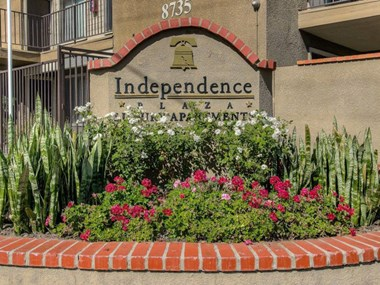 8735 Independence Avenue 1-2 Beds Apartment for Rent Photo Gallery 1