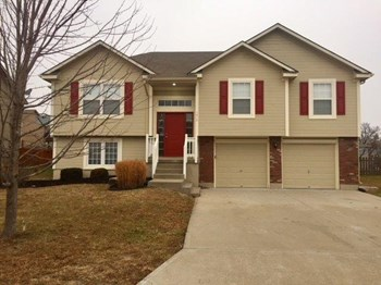 1410 NW High View Dr 3 Beds House for Rent Photo Gallery 1