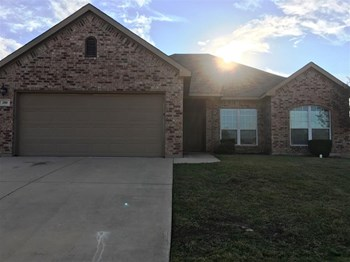 200 Kennedy Ct 3 Beds House for Rent Photo Gallery 1