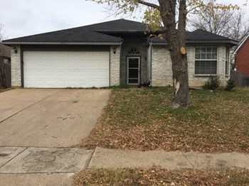 2720 Clovermeadow Dr 3 Beds House for Rent Photo Gallery 1