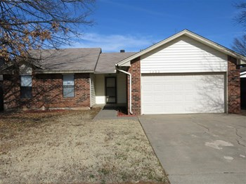 1353 Oswego Dr 3 Beds House for Rent Photo Gallery 1