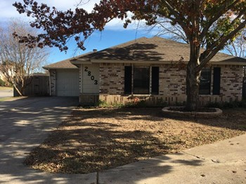 2803 Forest Creek Dr 3 Beds House for Rent Photo Gallery 1