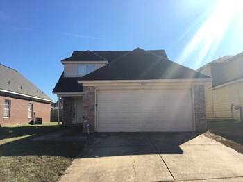 4829 Mistic Lake Drive 3 Beds House for Rent Photo Gallery 1