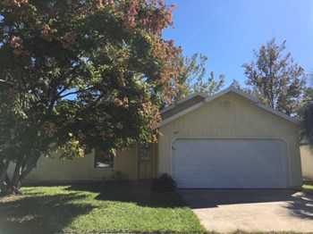 647 Purcell Dr 3 Beds House for Rent Photo Gallery 1