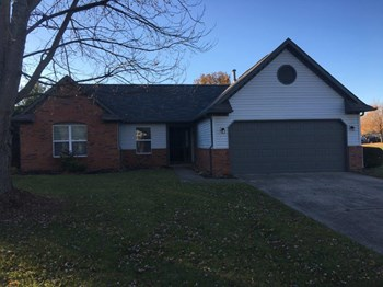 5926 Terrytown Pkwy 3 Beds House for Rent Photo Gallery 1