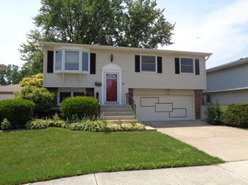 16500 76th Ave Tinley Park IL 60477 3 Beds House for Rent Photo Gallery 1