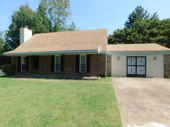 3410 Kettlebrook Cove Memphis TN 38128 3 Beds House for Rent Photo Gallery 1