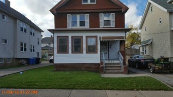4384 West 47th St 3 Beds House for Rent Photo Gallery 1