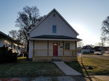 754 25th Street 3 Beds House for Rent Photo Gallery 1