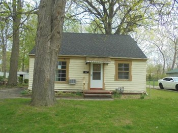 417 Hawkins Dr 3 Beds House for Rent Photo Gallery 1