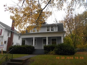 117 Parkwood Blvd 3 Beds House for Rent Photo Gallery 1