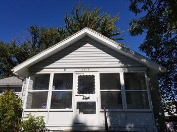 2519 Olivewood Ave 3 Beds House for Rent Photo Gallery 1