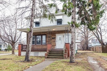 844 W 22nd St 5 Beds House for Rent Photo Gallery 1