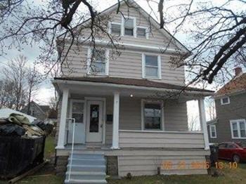 154 East Tuscarawas Avenue 3 Beds House for Rent Photo Gallery 1