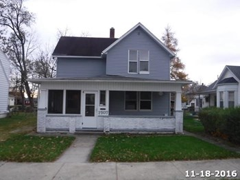 1707 High St. 4 Beds House for Rent Photo Gallery 1