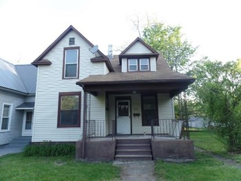 672 W Lexington Ave 3 Beds House for Rent Photo Gallery 1