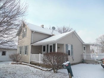 202 S Main St. 3 Beds House for Rent Photo Gallery 1