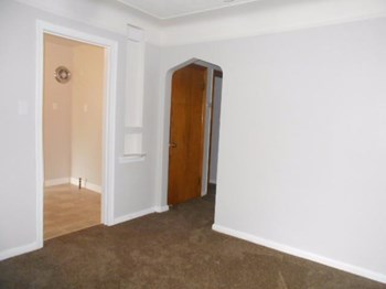 16575 W Heyden Street N 3 Beds House for Rent Photo Gallery 1