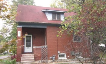 401 North Douglas Avenue 3 Beds House for Rent Photo Gallery 1