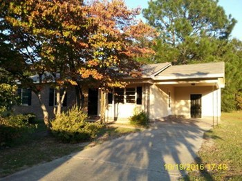 910 N Jackson St 3 Beds House for Rent Photo Gallery 1